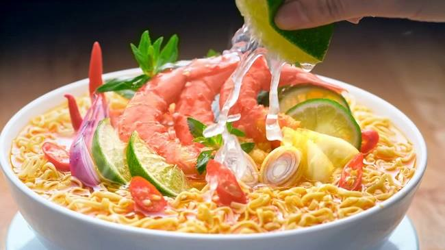 Hương vị chua cay của Hảo Hảo tiên phong trên thị trường Việt Nam.