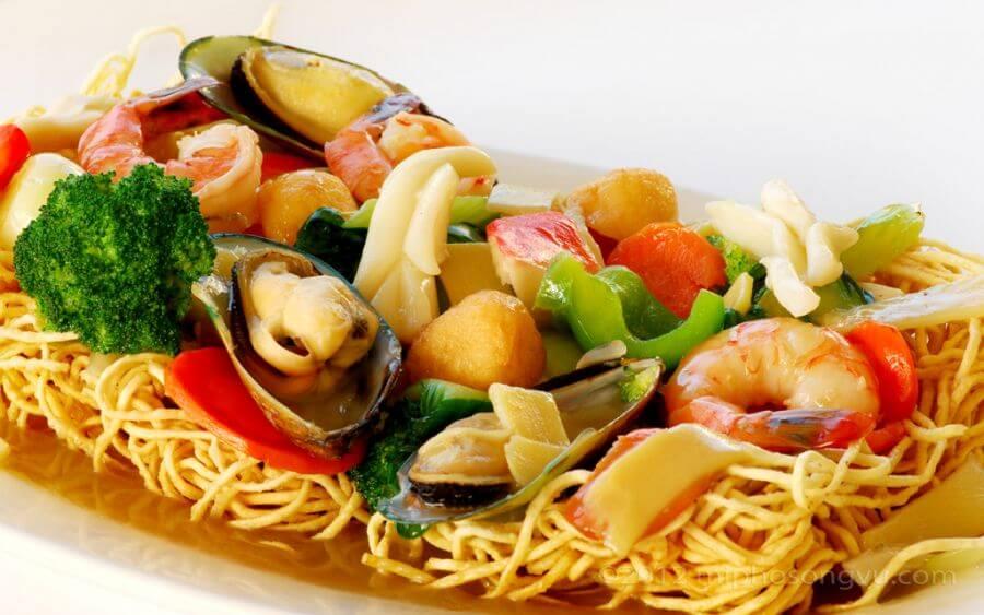 Vừa thơm ngon vừa nhiều chất dinh dưỡng, đó chính là món mì tôm xào hải sản