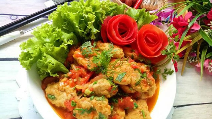 Chả cá thu sốt cà chua thơm ngon đậm đà ngay tại gian bếp của gia đình
